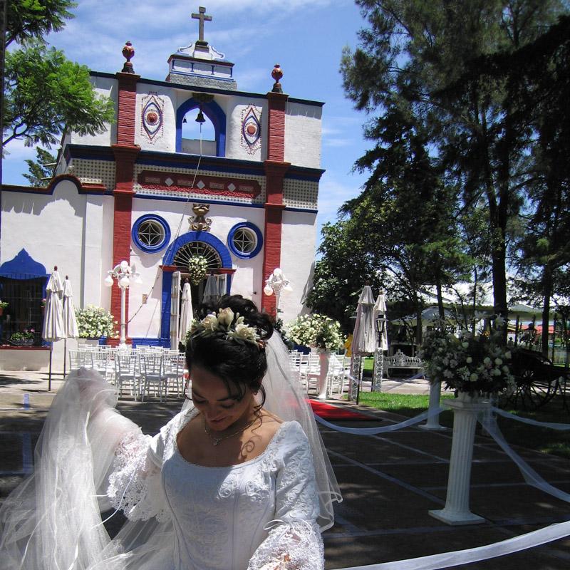 Boda en la capilla de San José de la Hacienda Villejé.